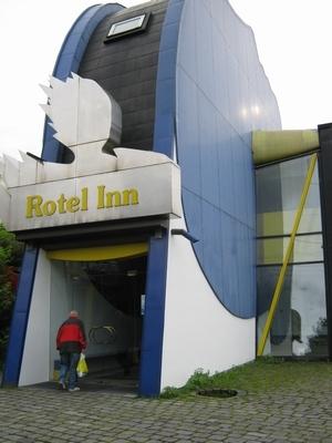1988-22-bikers_hotel.jpg