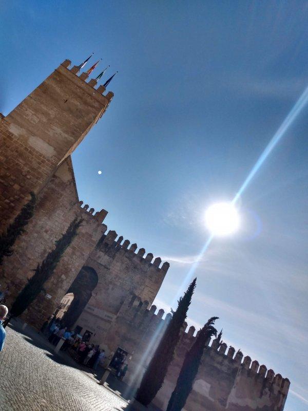 PuertaDeSevilla.jpg