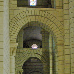 Preuilly-sur-Claise, Abbey of St-Pierre - north aisle.png